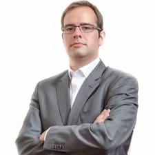 João De felhasználói profilja