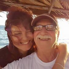 Larry And Monica felhasználói profilja