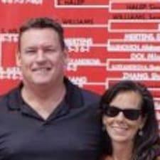 Profilo utente di Sharon And Cameron
