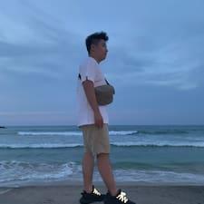 启伦 User Profile