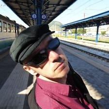 โพรไฟล์ผู้ใช้ Helmut