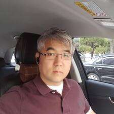 โพรไฟล์ผู้ใช้ Sang Woo