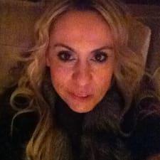 Mirela felhasználói profilja