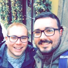 Profil Pengguna Gareth & Jarred