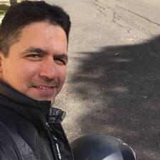 Hugo Enrique felhasználói profilja