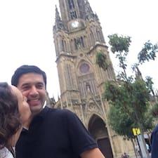 Mariana Y Vicente jest gospodarzem.