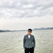 啊卓 felhasználói profilja
