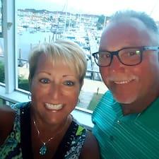 Betty And Glenn felhasználói profilja