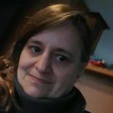 Profil Pengguna Elana