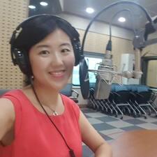 Li Li es el anfitrión.