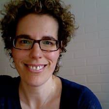 Marie-Josée的用戶個人資料
