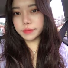 Ayoung felhasználói profilja
