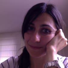Carmen Manuelaさんのプロフィール