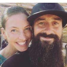 Carlos And Eileen — суперхозяин.