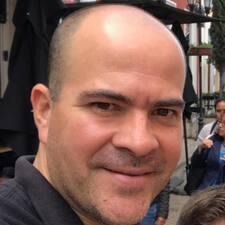 โพรไฟล์ผู้ใช้ Luis Carlos