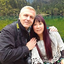 Profil Pengguna Julie & Tom