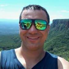 Nutzerprofil von Tiago