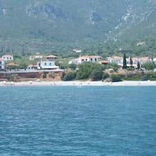 Panagiota / Dimitris bir süper ev sahibi.