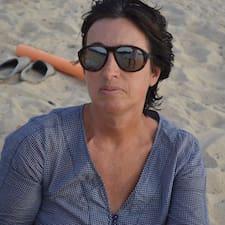 Anne est un Superhost.