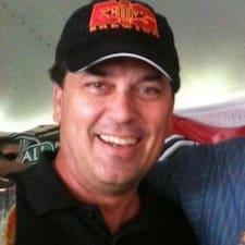 Chuck Brukerprofil