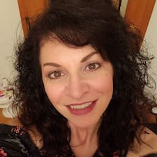 Lori felhasználói profilja