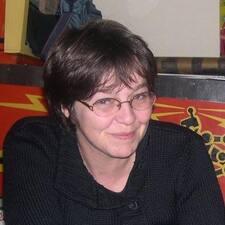 Hélène — суперхозяин.