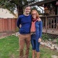 Ashley & Tyler Brugerprofil