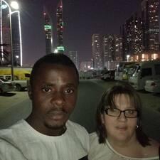 Profil Pengguna Charles & Vicki