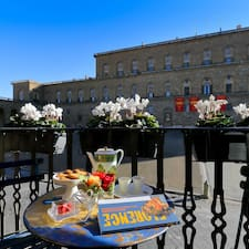 Piazza Pitti Palace User Profile
