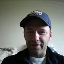 Lonnie User Profile
