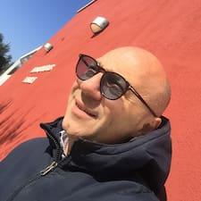 Francesco คือเจ้าของที่พักดีเด่น