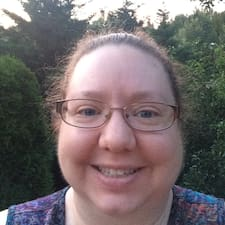 Profil Pengguna Leah