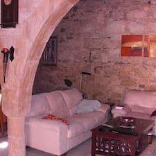 Nutzerprofil von Costa' S  Stone House
