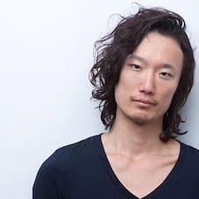 Yoshitaka felhasználói profilja