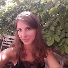 Marie bir süper ev sahibi.