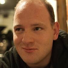 Charlie Brukerprofil
