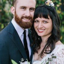 โพรไฟล์ผู้ใช้ Jason & Anna