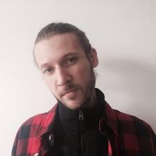 Anton felhasználói profilja