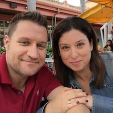 โพรไฟล์ผู้ใช้ Javier & Claudia