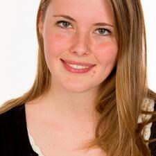 Esmee felhasználói profilja