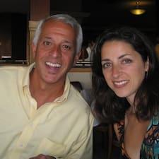 Julie And Michael님의 사용자 프로필