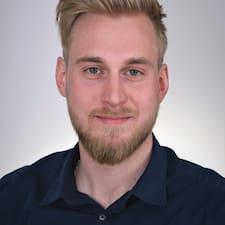 Maximilian felhasználói profilja
