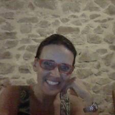 Bernarda felhasználói profilja