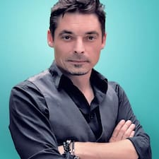 Nicolas on supermajoittaja.