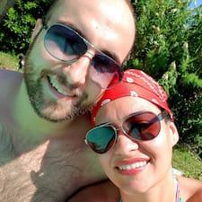 Profil Pengguna Dayana & Arnaud