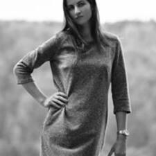 Elīna Brukerprofil