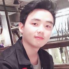霄 felhasználói profilja
