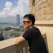 龙 felhasználói profilja