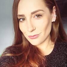 Elise felhasználói profilja