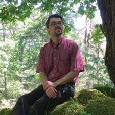 Profilo utente di Cyrus R.